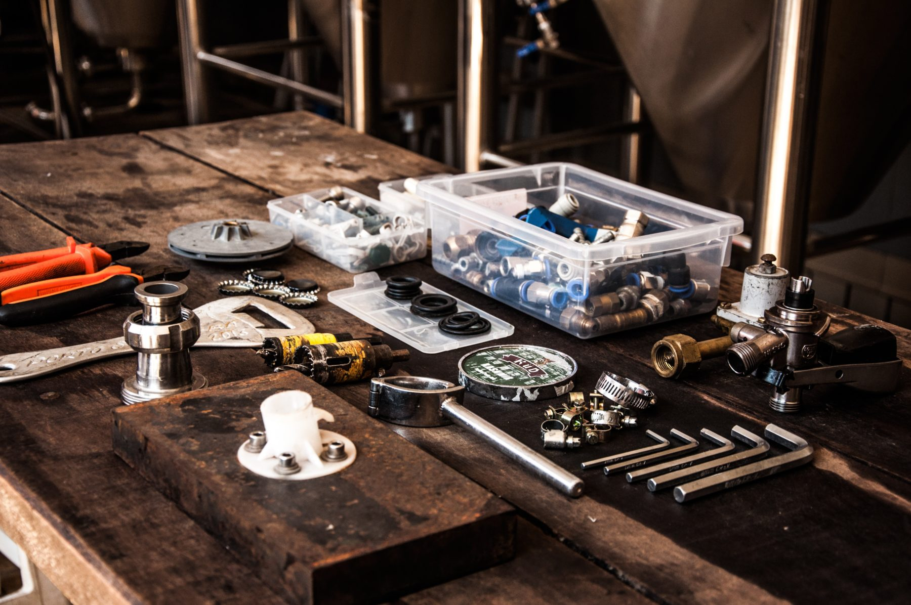 Range of tools organized on a table.
